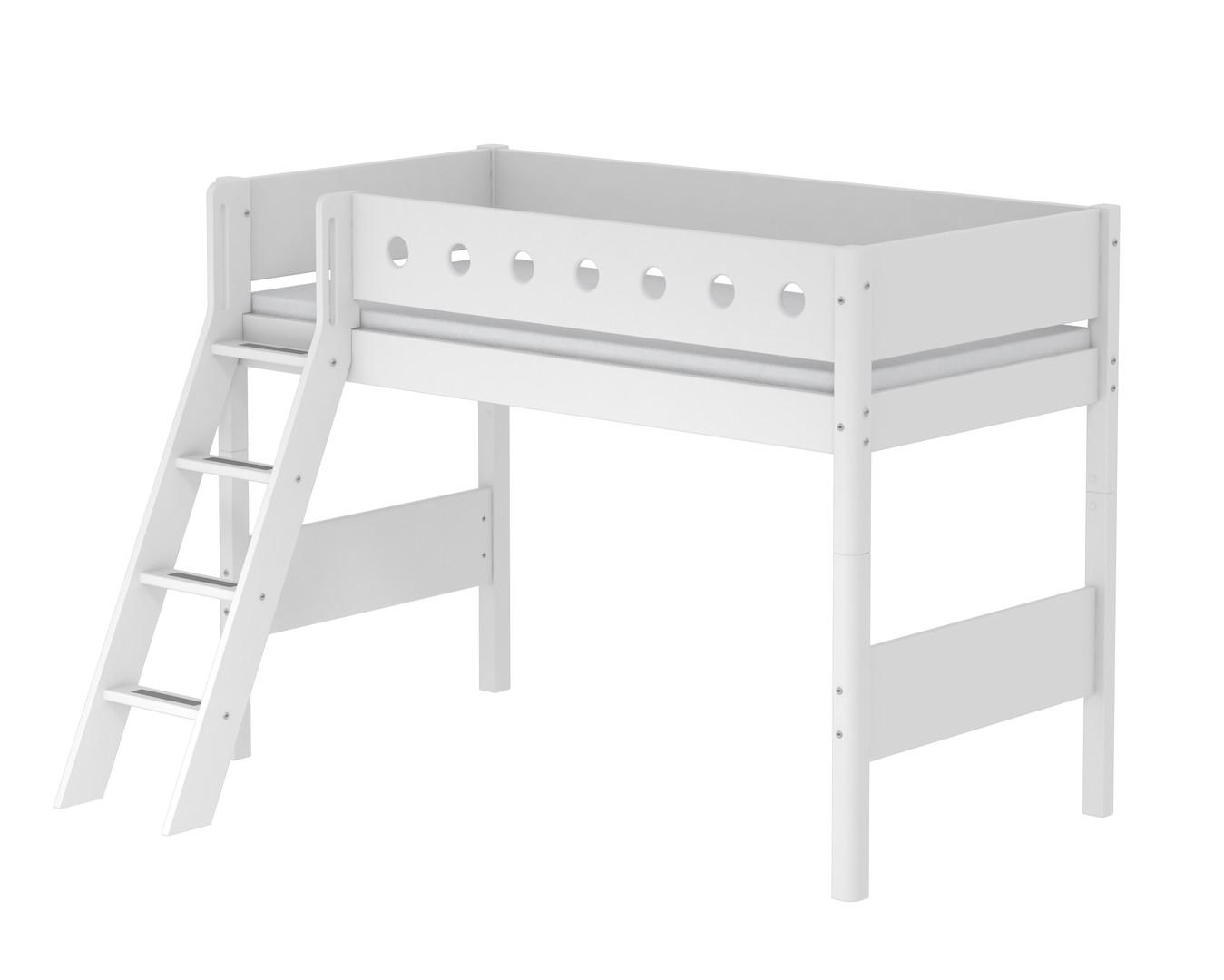 Etagenbett Flexa Absturzsicherung : Hochbett mittelhoch weiß 90x200cm mit schräger leiter von flexa